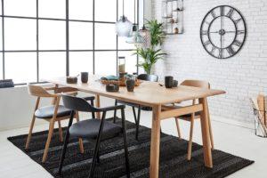 Crafty spisebord med stole